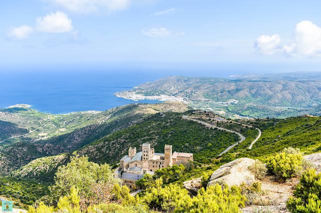 Vistas de camino al castillo de Verdera, Costa Brava