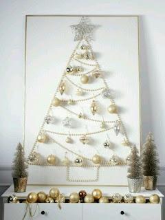 albero di natale lussuoso con perle e cristalli
