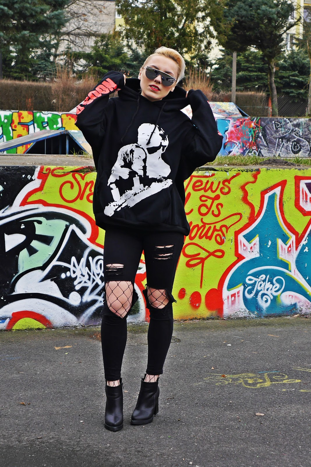 black_pants_hoodies_titanic_coming_soon_karyn_blog_210317a