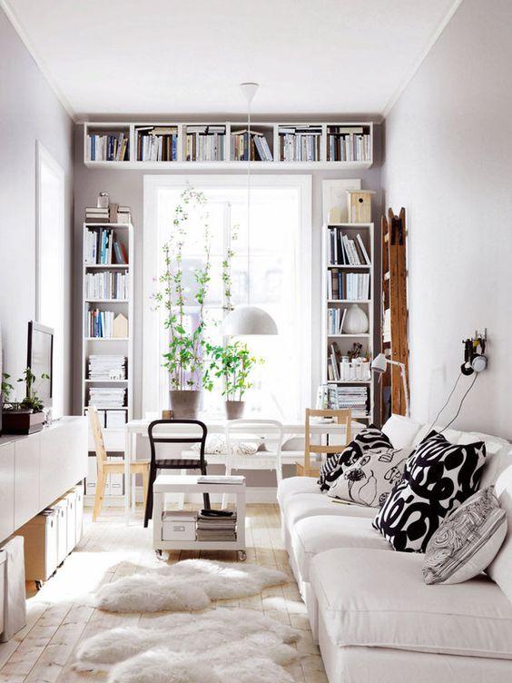 almacenaje-libros-alrededor-puerta
