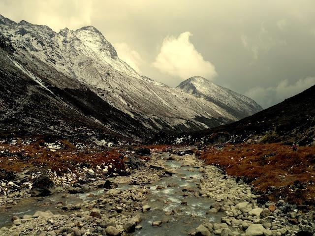 Dzongri Pass from Beak Bari