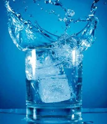 Bahaya Minum Es Setiap Hari Bagi Kesehatan Bahaya Minum Es Setiap Hari Bagi Kesehatan