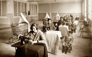Resultado de imagen de mujer trabajadora epoca industrial