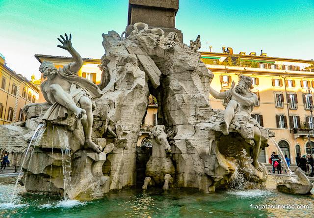 Fonte dos Quatro Rios, de Bernini, na Piazza Navona, Roma