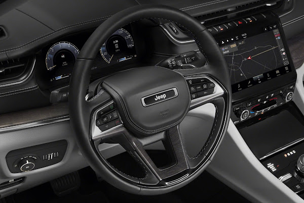 Jeep Grand Cherokee L 2021 para 7 passageiros é lançado