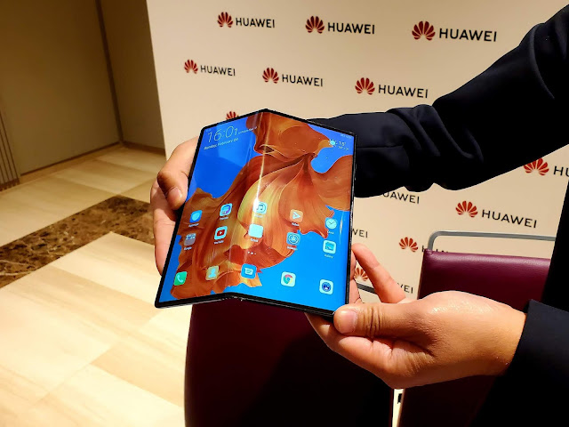 first Huawei folding phone, foldable phone, folding phone, Huawei Mate, Huawei Mate X, Huawei Mate X price, Mate X, Mate X specifications, mobile, mobiles, Release date Mate X, smartphone, smartphones,