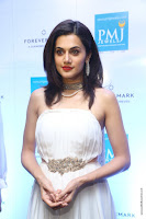 taapsee pannu launches forevermark diamond collection 28.jpg
