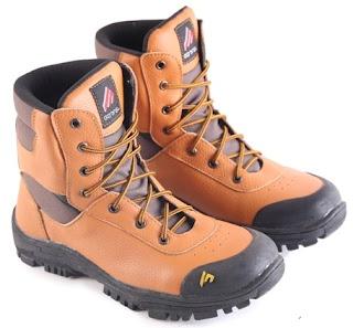 Sepatu Boots Pria Model Touring  L 156