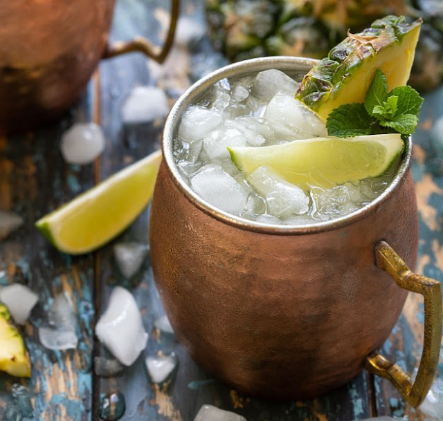 Pineapple Coconut Moscow Mule #summer #drinks