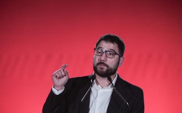 Ν. Ηλιόπουλος: «Σαμποτάζ» στον εμβολιασμό οι απειλές της ΝΔ για αναστολές εργασίας και περικοπή μισθών