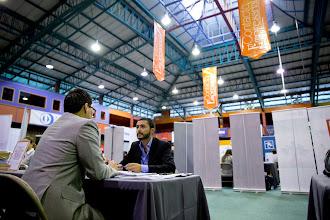 La implementación de una plataforma virtual facilita la contratación laboral de universitarios recién graduados