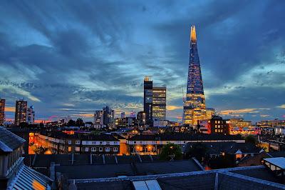 construcción famosa The Shard en Londres