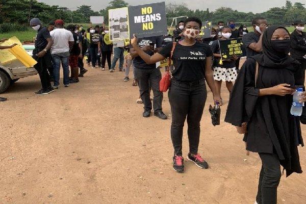 Lagos and Abuja residents protest on rape #Saynotorape #Arewapublisize