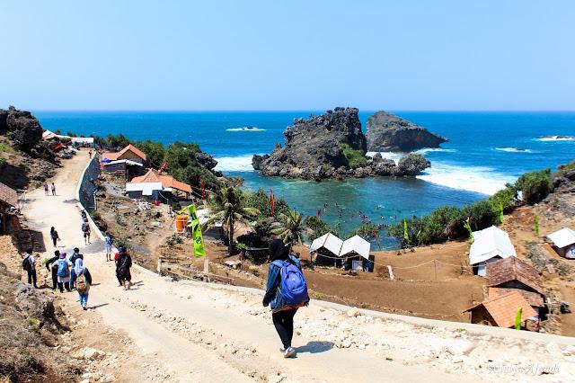 Pantai Nglambor Tempatnya Snorkeling di Jogja
