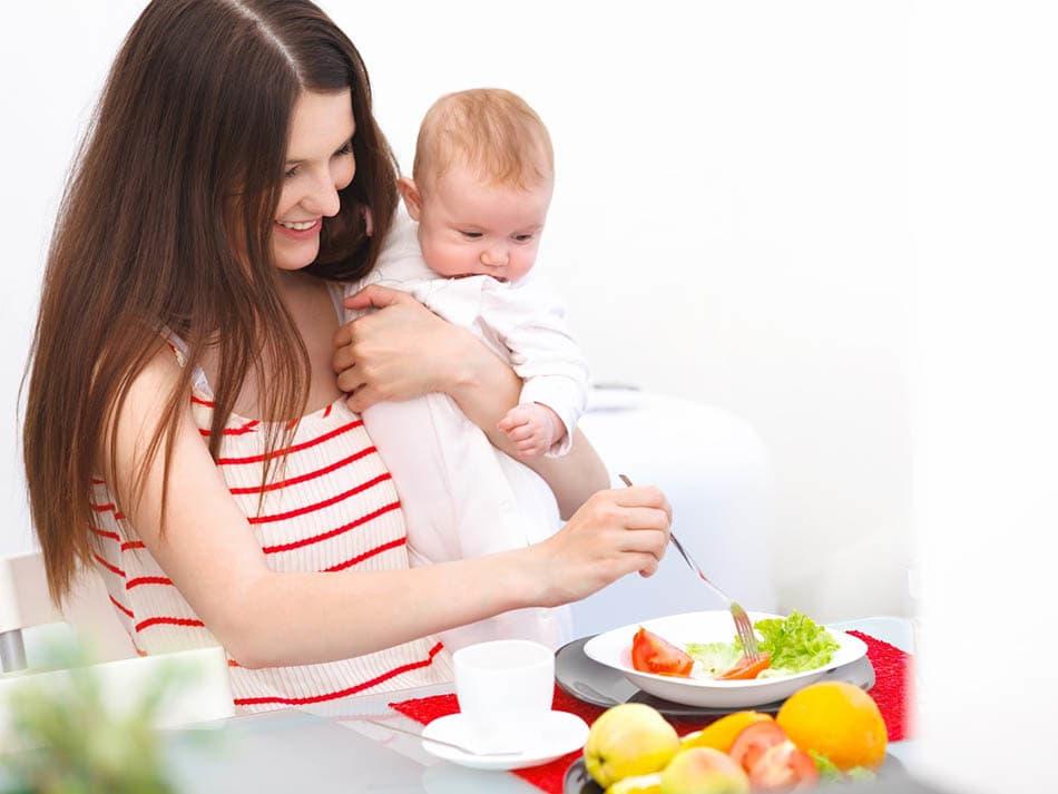 Emziren anneler ne yemeli ve emziren annelerin beslenirken dikkat etmesi gerekenler.