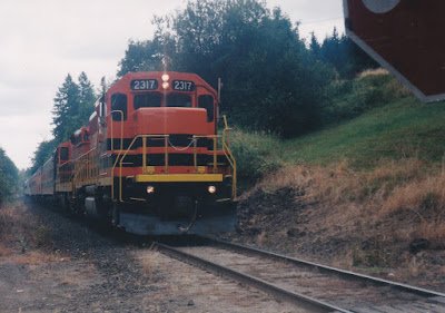 "Willamette & Pacific GP39-2 #2317 ""Tigard"" near Scappoose, Oregon, on August 23, 1998"
