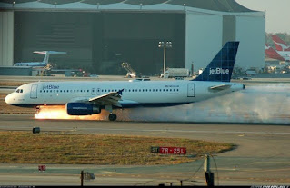Emergency Landing Pesawat JetBlue
