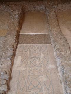 Mosaico del pasillo lateral