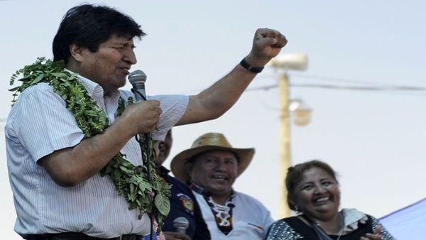 Morales denuncia acciones del Gobierno de facto contra empresas