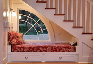 dormitorio bajo la escalera