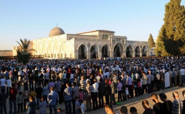 Subhanallah, 65 Ribu Muslim Palestina Shalat Jumat di Masjid al-Aqsa