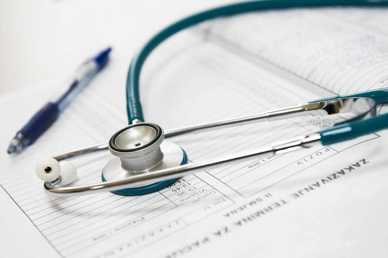 Choosing a Career That Helps Others - Healthcare Role