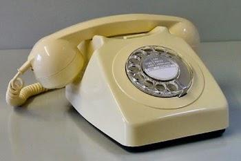 Μεγαλώνοντας ΜΟΝΟ με σταθερό τηλέφωνο!