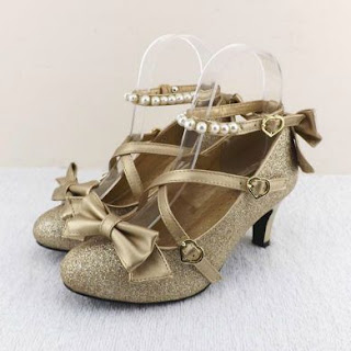 http://fr.aliexpress.com/item/Plum-small-liner-genuine-leather-cross-strap-pumps-Princess-bow-lolita-shoes-gold-silver-shoes-Shining/32380876026.html