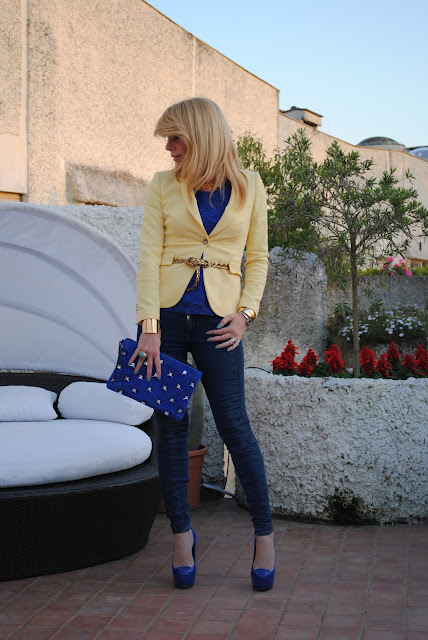 Electric blue clutch | Don't Call Me Fashion Blogger! Roma