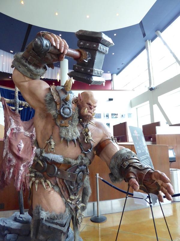 Orgrim Doomhammer Warcraft full-size statue
