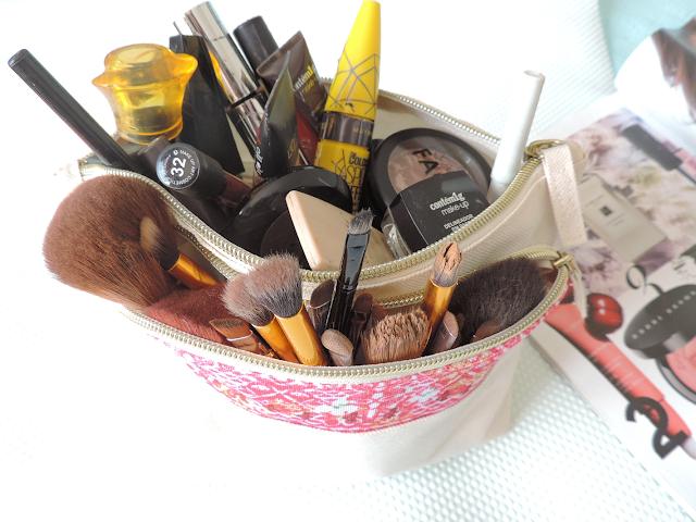 coleção cápsula de make-up