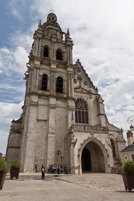 """Cathédrale Saint-Louis 20120511"" by SuperTimor - Own work. Licensed under CC BY-SA 3.0 via Wikimedia Commons - http://commons.wikimedia.org/wiki/File:Cath%C3%A9drale_Saint-Louis_20120511.jpg#/media/File:Cath%C3%A9drale_Saint-Louis_20120511.jpg"