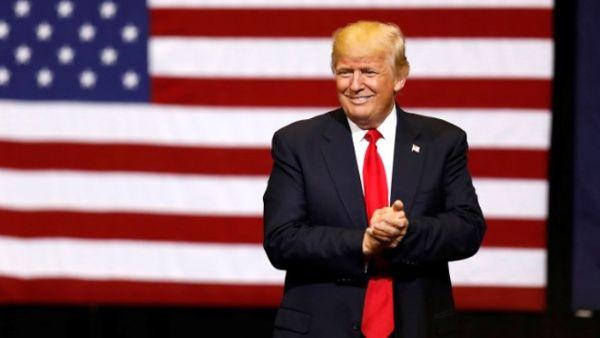 Trump afirma que no posee charlas grabadas con exjefe del FBI