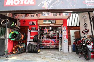 Motorcycle store in Escazu