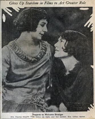 Лита Грей и ее мать, 1925 г.