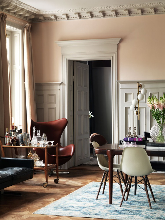Time for Happy Hour-loving that bar cart-Jonas Ingerstedt Interiors Photography