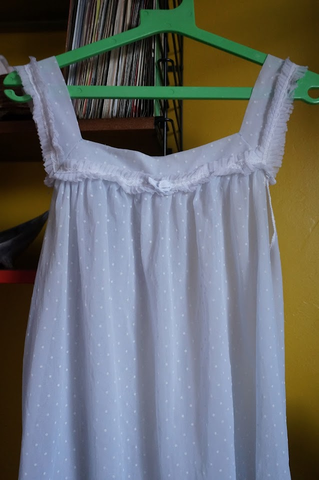 60s dotted swiss nightdress babydoll nuisette plumetis années 60 1960s
