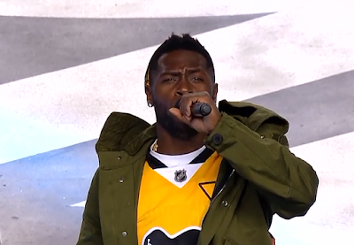 Antonio Brown introduces Pittsburgh Penguins at Heinz Field