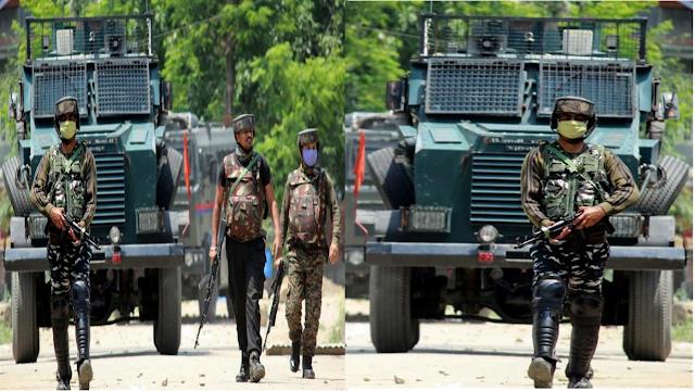 जम्मू-कश्मीर: सुरक्षाबल पर आतंकियों का हमला, 2 आम नागरिकों समेत सेना के 2 जवान शहीद।