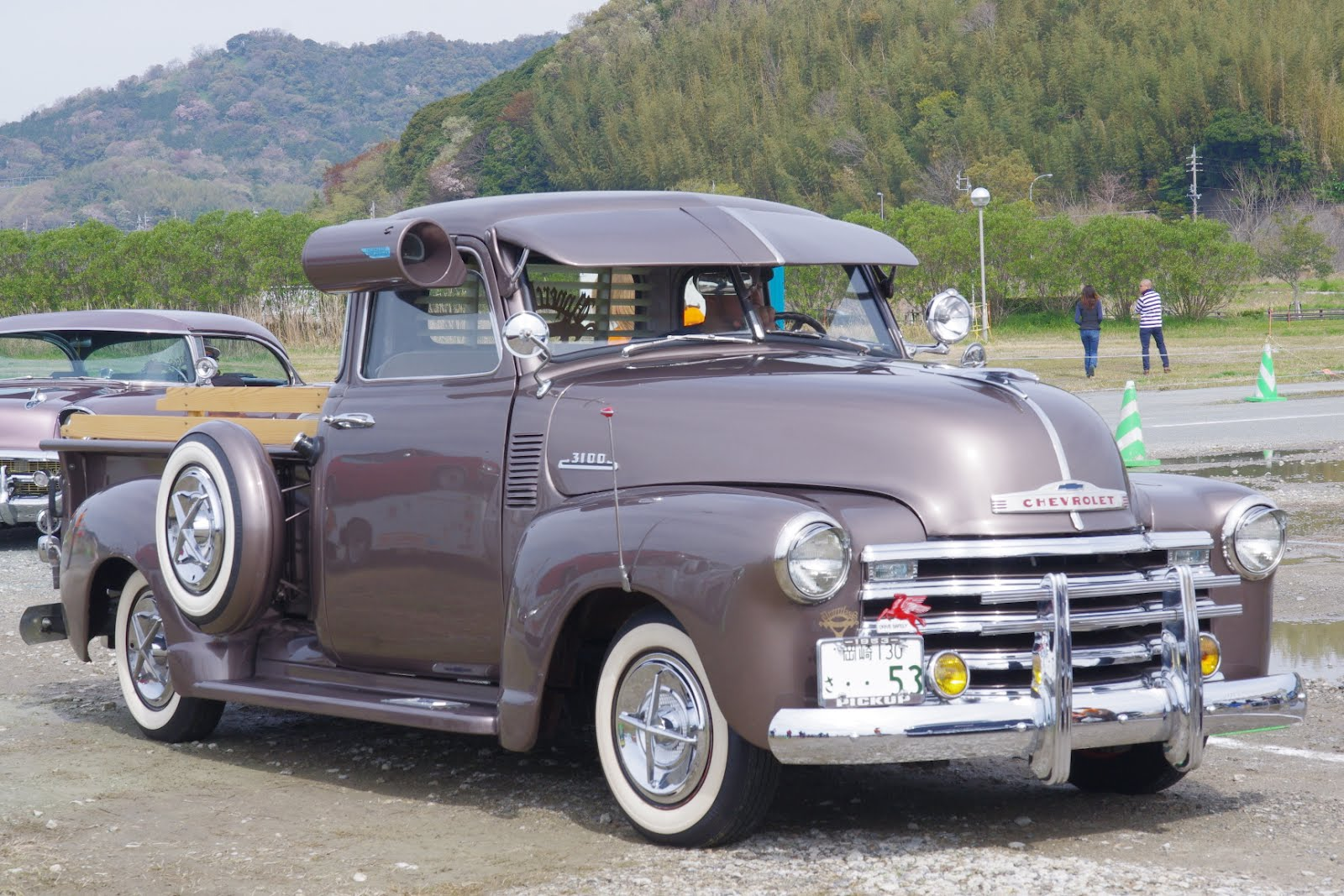 Truck 1949 chevy panel truck : 1953 Chevy Pick Up. Not my style but I like the air conditioner on ...