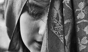 قصة مؤلمة فتاة   تم تزويجها وهي بسن الخامسة عشرة
