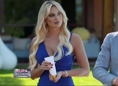 Francesca Brambilla vestito blu la pupa e il Secchione