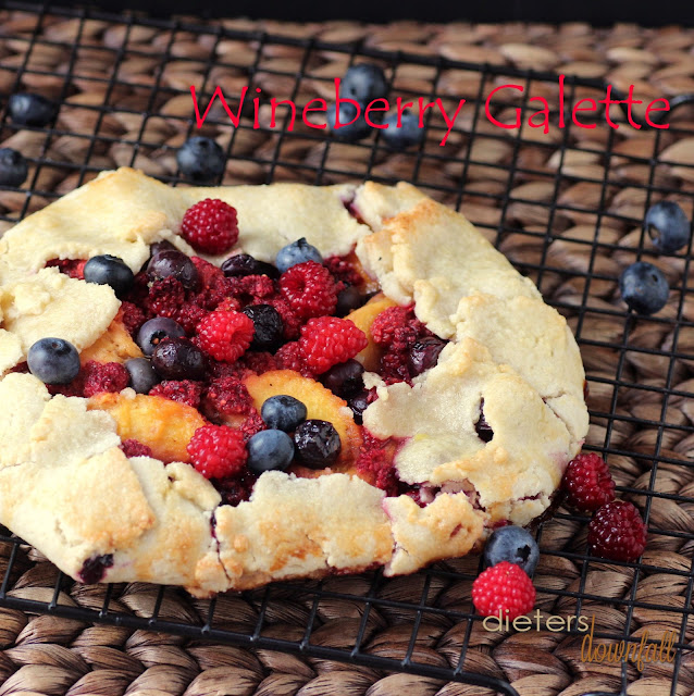 Wineberry Galette - full recipe on #dietersdownfall.com
