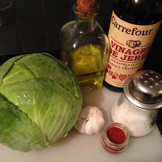 Col o Repollo al pimentón y revuelro, ingredientes