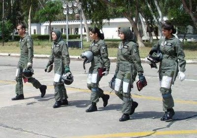 wanita militer cantik