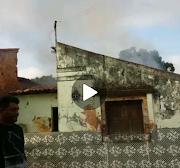 Casa é incendiada  em Poção de Pedras; suspeita é de um ventilador velho que teria pegado fogo