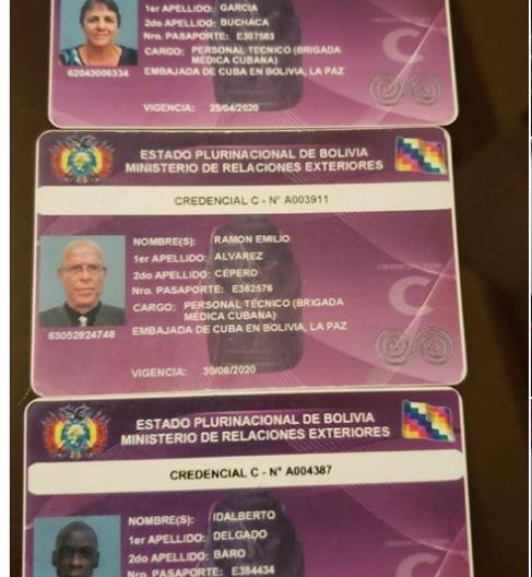 Alguna credenciales de los súbditos cubanos encontrados con una fuerte suma de dinero / RRSS