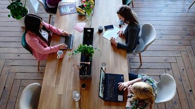 Tolak Stres, Letakan 3 Tanaman Hias ini Di Meja Kerja