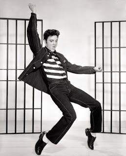Elvis Presley influenciou a moda masculina nos anos 50