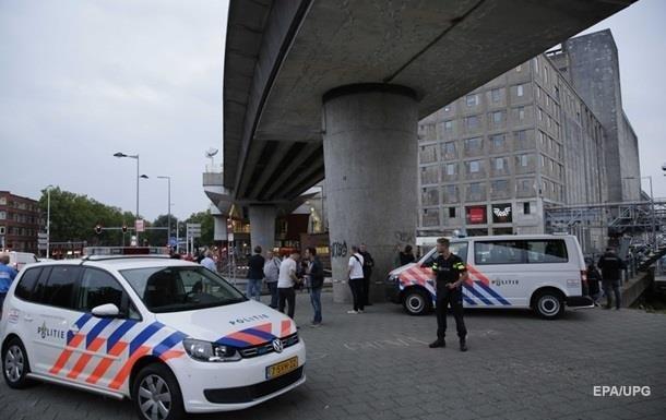 Двох осіб затримали в Нідерландах за підозрою в підготовці теракту